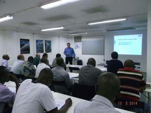 Seminário Sobre Tecnologia Em Motores Eléctricos Enche Centro De Formação Da Nova Sotecma Em Luanda