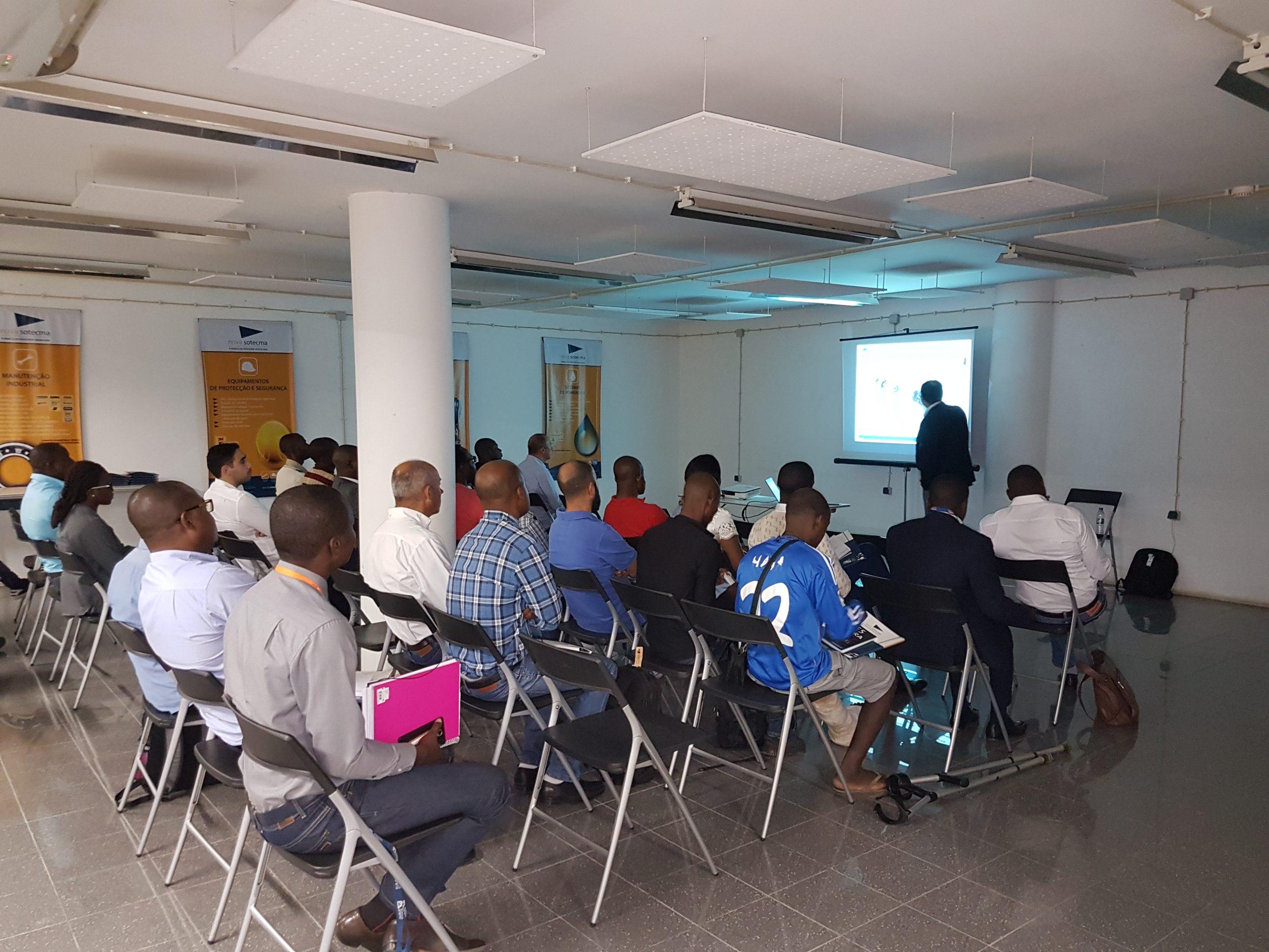 """Seminário """"Grandes sistemas de bombeamento – Grundfos"""" enche centro de formação da Nova Sotecma em Luanda"""